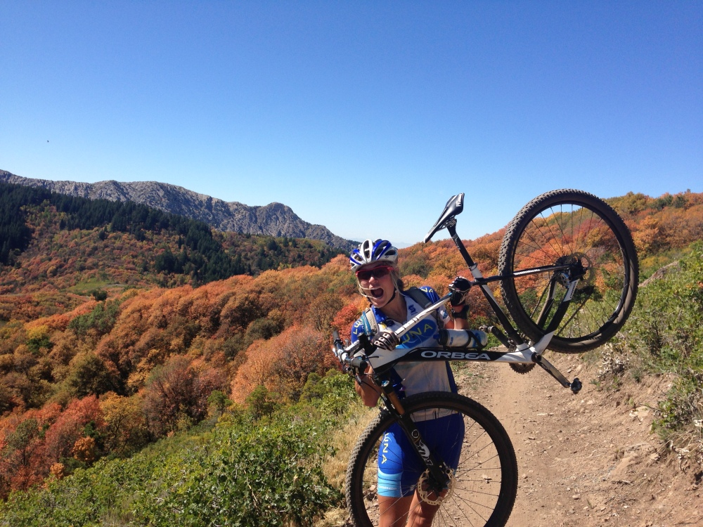 On the dirt, among the colors, on a beautiful course... HAPPY! Let's do this!